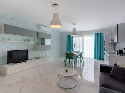Photo for Marvellous 2 Bedroom Apartment by the Sea
