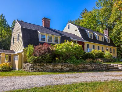 Photo for Huge Farm House, 8 Fireplaces, 5 Spa Baths, Tavern, Hot-Tub, Sunroom, Minutes to Bromley, Stratton,