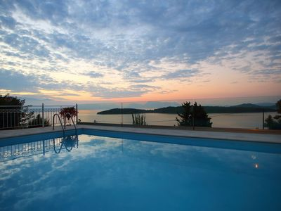 Photo for Luxury villa with private pool only 400m from the beach