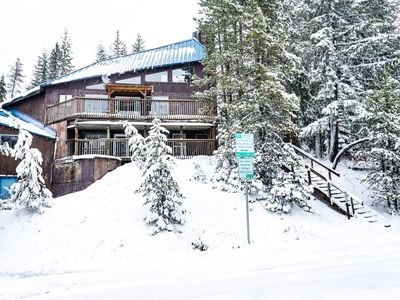 Photo for Adorable and spacious cabin in the woods - close to ski access!