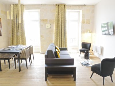 Photo for Beautiful 2 bedroom apartment with parking (stunning Garonne view)