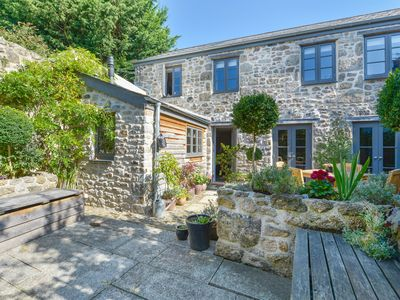 Photo for DAIRY COTTAGE, family friendly, with a garden in Chagford, Ref 975862