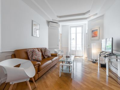 Photo for Jean Medecin Avenue - Classy and Cosy 3 Bdrs Downtown & Parking
