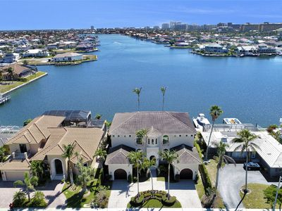 Photo for Extraordinary 5 Bed / 4.5 Bath, Family Home with Direct Views of Landmark Bay