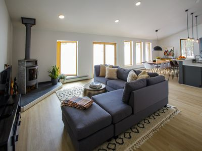 Photo for 3 bd, 2 bath, beautiful Mountain home with Hot Tub and Open Space