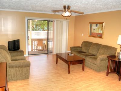 Fantastic condo overlooks the pool and within close proximity to the beach!
