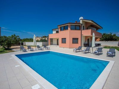 Photo for Holiday house Galizana for 8 - 10 persons with 4 bedrooms - Villa