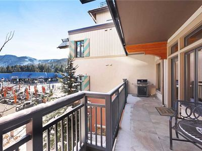 Photo for Ski-in/ski-out condo w/shared outdoor pool & hot tubs in Lionshead Village