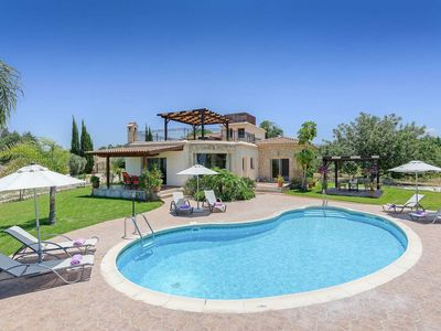 Photo for Villa Yialos - This spacious villa includes a private pool, hot tub & WI-FI