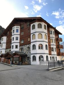 Photo for Sunny, luxurious approx. 100 sqm apartment in Leukerbad for 4 persons