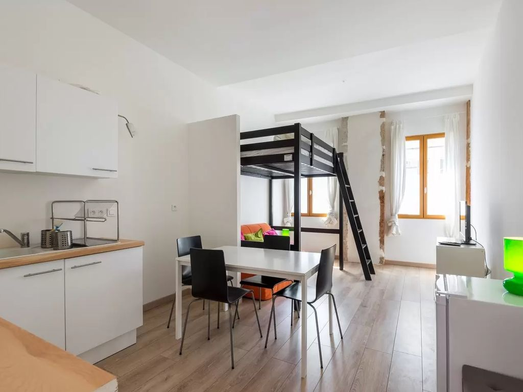 Furnished apartment lyon 3 for 4 people 1371346 for Appartement meuble a louer lyon