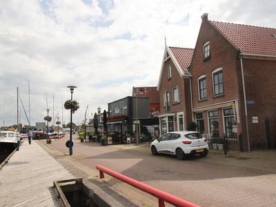 Photo for Quay-side family home in Grou, near shops, attractive terraces and Pikmeer lake.