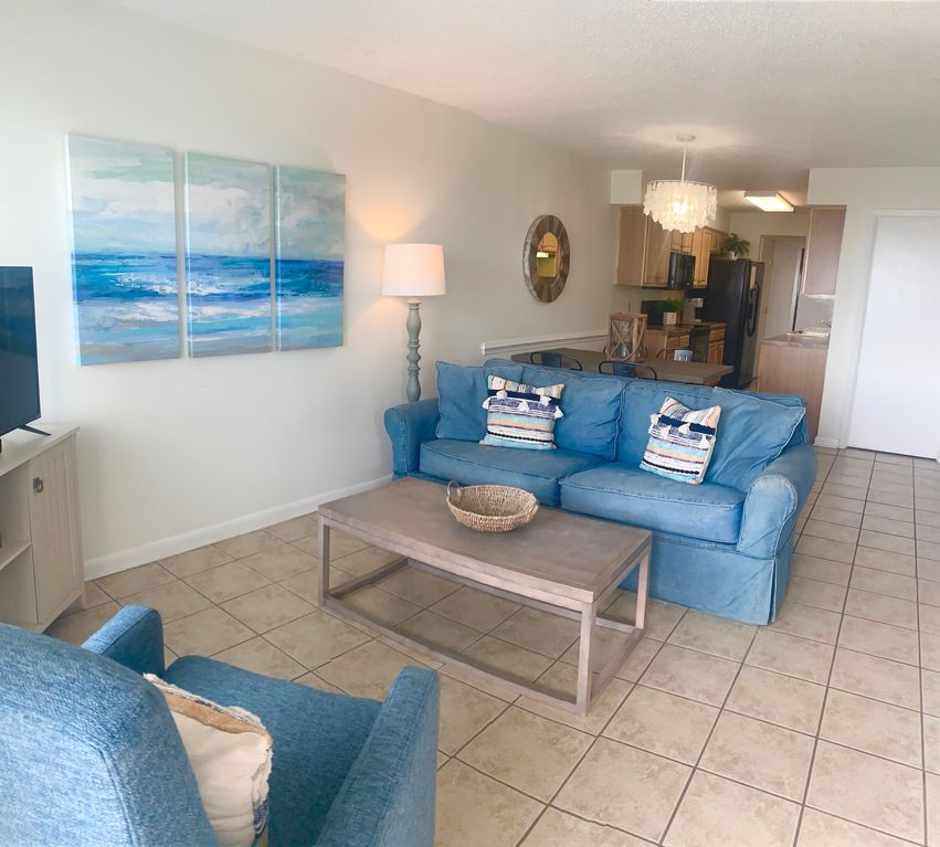 Beach Level Condo-Very Clean!!!Great Location!!!