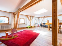 Nice airy loft, 40 minutes walk from town