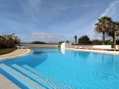 Photo for Private villa with BBQ area & large pool. Only 5min drive from beach & golf