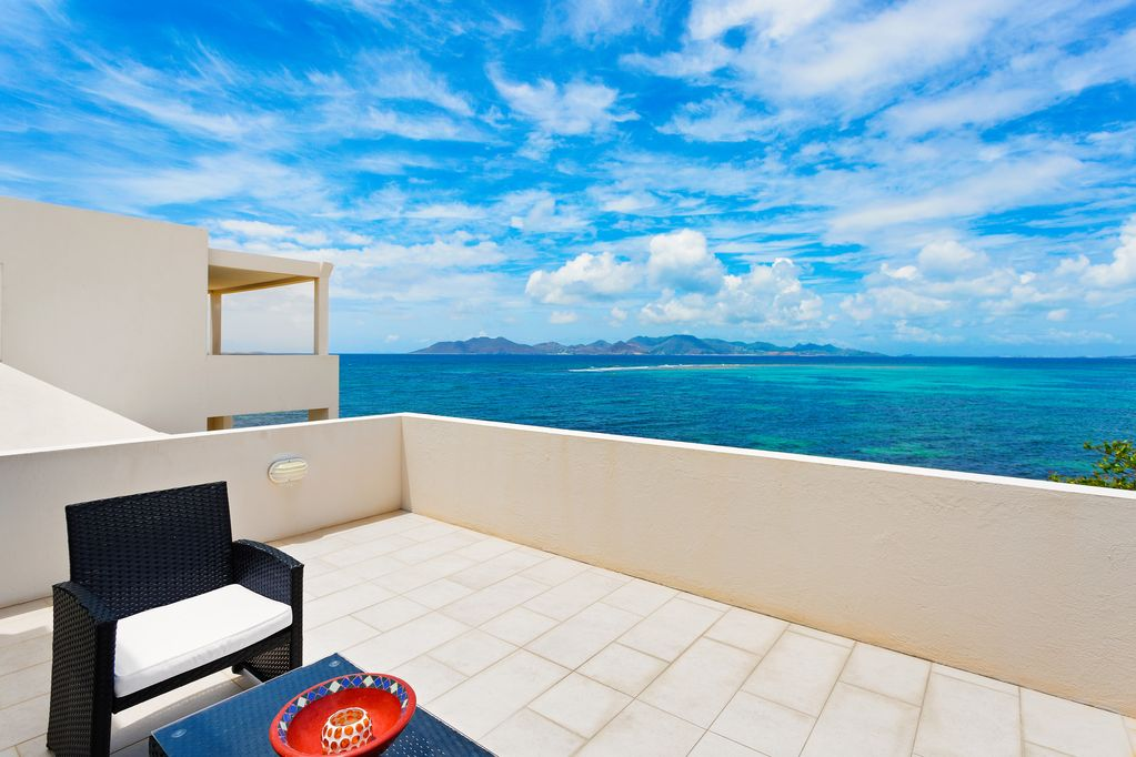 Private Beachfront Villa - From your bed to the beach in a few steps  -  Lower South Hill