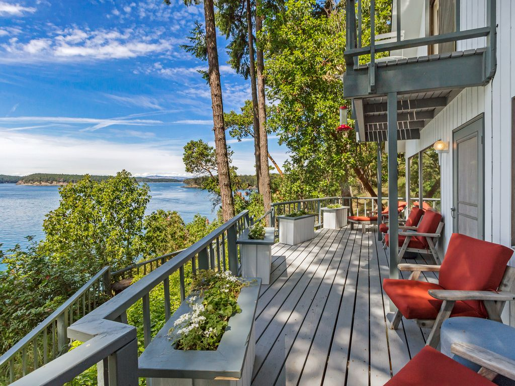 Newly Listed Waterfront Whales Amazing V Vrbo
