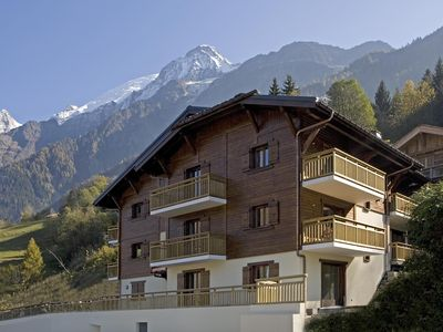 Photo for Les Houches Ski Apartment by lifts, ski slopes, restaurants and shops