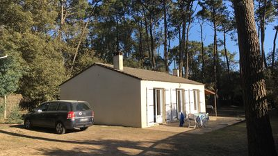Photo for House 6 to 8 people in forest at 300 m from the sea