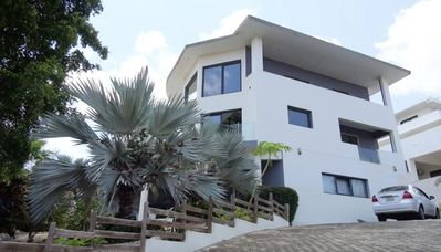 Grand 4 bedroom villa with Spanish water view