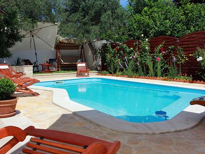 Photo for This 5-bedroom villa for up to 10 guests is located in Supetar and has a private swimming pool, air-
