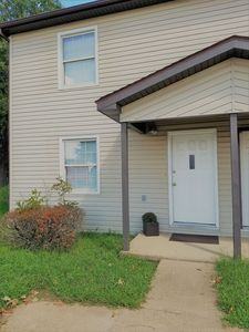 Cozy family friendly townhouse  just 1 mile away from FLW