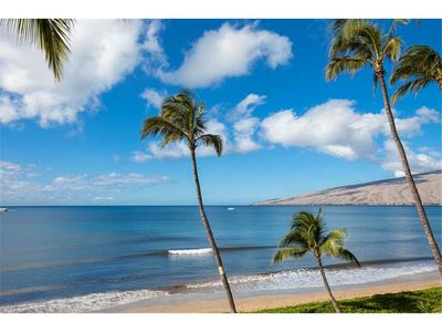 Photo for Enjoy stunning ocean views from the private lanai of this 1bd condo at Sugar Beach Resort #317