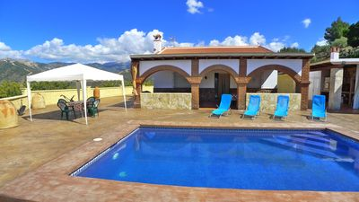 Photo for Spacious country villa with spectaclar panoramic views