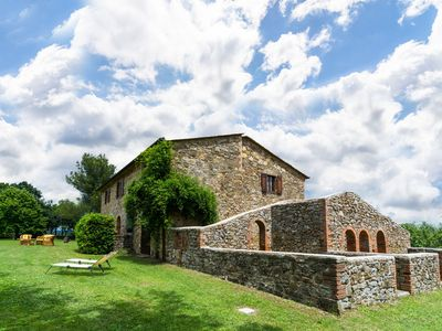 Photo for Secluded Mansion in Montegabbione with Garden, Heating & Views