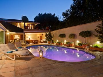 5 Star Luxury - Self Catering Accommodation - Constantia -  2 bedroom Cottage - Villa
