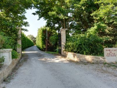 Photo for Beautiful rental in Luberon Provence property. Swimming pool