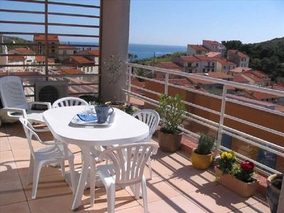 Photo for Apartment 2 bedrooms / 4 people sea view terrace and air conditioning port wifi parking