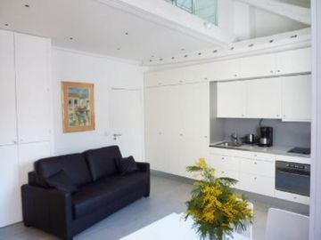 Apartment/ flat - PARIS CENTREHouse with character