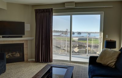 Photo for Pet friendly condo in Lincoln City located nearby the sand, surf and sun!