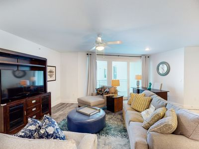 Photo for Okaloosa Island condo w/ Gulf views from bedrooms, w/ shared pool and more!