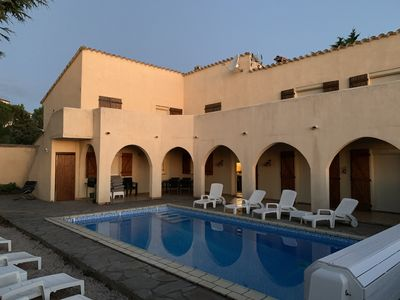 Photo for Charming Villa with large swimming pool & unique view over mountains, plain, sea