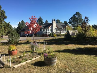 Photo for Tranquil Palmer Divide Residence-Sleeps 10 in beds