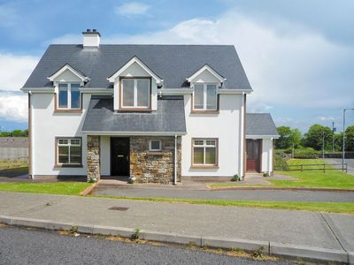 Photo for 4 bedroom property in Kinlough. Pet friendly.