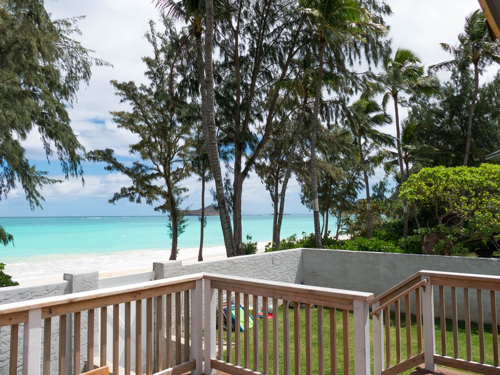 waimanalo beach holiday house beachfront aloha getaway beach house rh homeaway com au