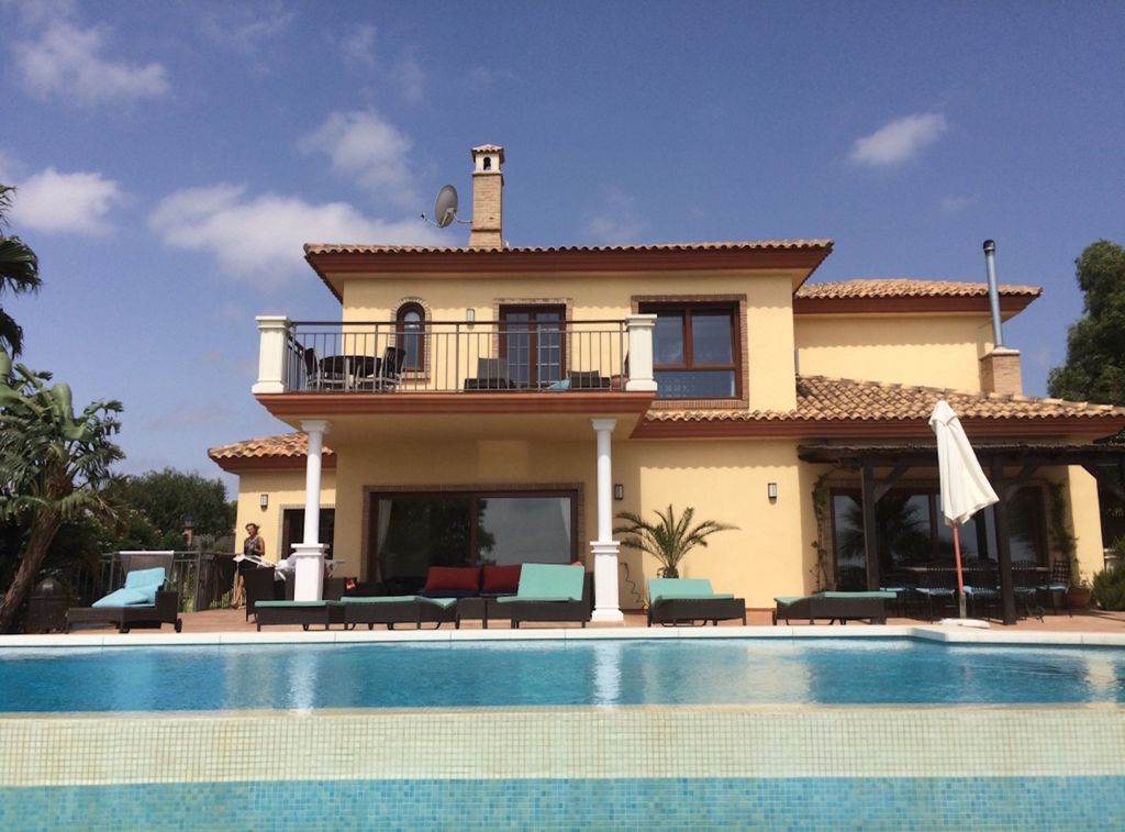 Luxury Modern Villa with Infinity Pool and Amazing Views - Manilva