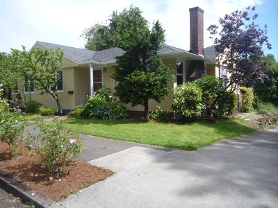 Photo for Cozy little one bedroom apartment in one of the best Portland locations.