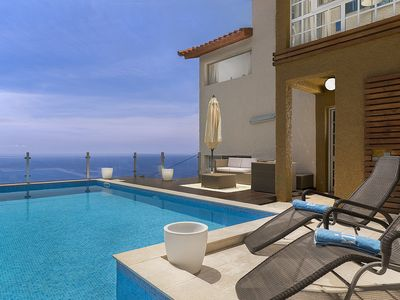 Photo for This luxurious 3-bedroom villa enjoys stunning views over the Atlantic Ocean