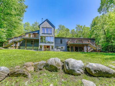 Photo for Beautiful, modern home w/ a spacious deck, pool table, & multiple fireplaces