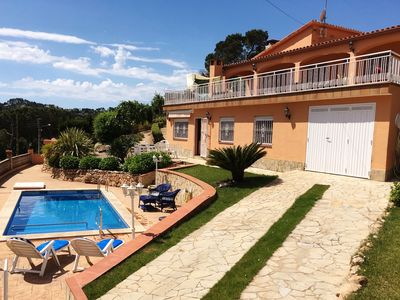 Photo for Villa Paradise Garden with 2 apartments, stunning views, private pool and Wi-Fi
