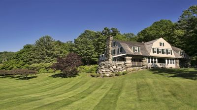 beautiful 2 acres landscaped lawn and gardens