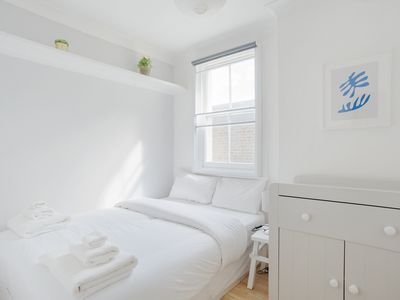Photo for Beautiful, Bright 2 Bed flat in leafy Queens Park