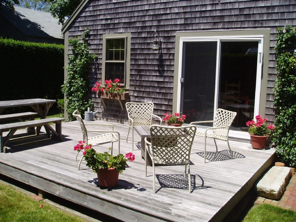 Charming and pristine 39 sconset center homeaway siasconset for Pristine garden rooms