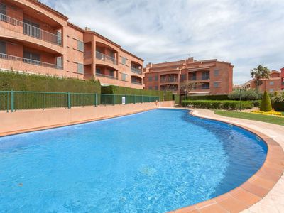 Photo for Nice apartment for 10 people with A/C, pool, TV and balcony
