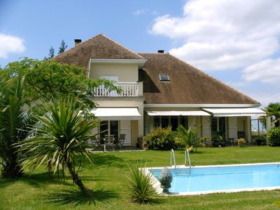 Photo for Luxurious modern villa with pool and panoramic view of the Pyrenees