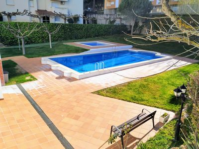 Photo for Escalet Raul: apartment less than 300m from the port of l'Escala, with pool